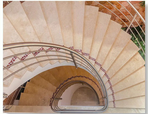 magnifico_stairs_east_03_resize
